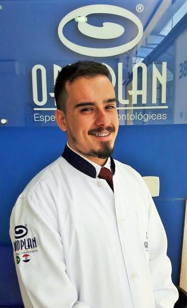 Dr. Vítor Velasque Lio